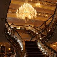 Лестница по проекту Леонардо да Винчи в холле отеля MARDAN PALACE. Турция :: Дмитрий Сухарев