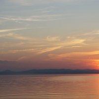 Закат на озере Увильды :: Дмитрий Сухарев