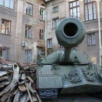 Танки в городе!!! :: Дмитрий Сухарев