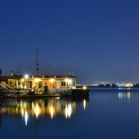 Ночь на пирсе.Красное море :: evgeny ryazanov
