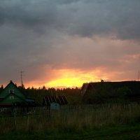 Закат в деревне :: Виктор Елисеев