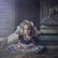 Старая фарфоровая кукла :: Елена Осипова
