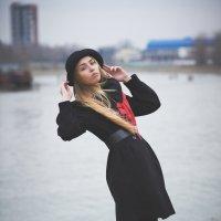 девушка в шляпке.. :: Евгений Артемьев