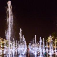 Свет вечернего фонтана :: Андрей Шаронов