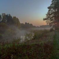 рассвет на реке. :: михаил скоморохов