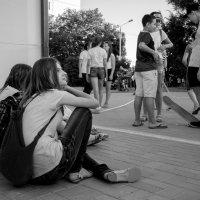В ожидании веселья (ч/б) :: Оксана Коваленко