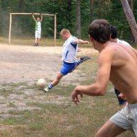 футбол на лесном поле :: Ростислав