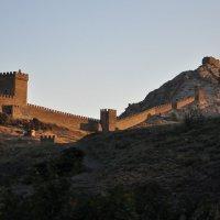 вечер, Генуэзская крепость :: вадим измайлов