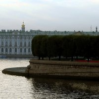 Река и шарик. :: Владимир Гилясев