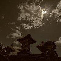 храмы тянутся к солнцу :: Александр