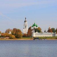 Толгский монастырь в Ярославле. Осень. :: Konstantine Kostyuchenko