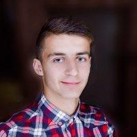 R :: Ярослав Зинченко