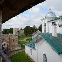 Изборская крепость, внутренний двор. :: Руслан Горбачёв