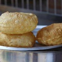 Пури - разновидность индийского хлеба... :: Игорь