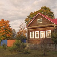 осень в городе :: Сергей Кочнев