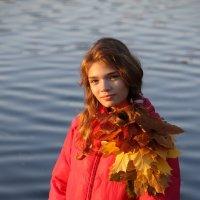 Кленовая красавица... :: Tatiana Markova