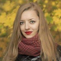 Яна в парке... :: Наталья