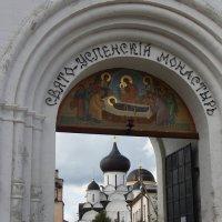 Врата монастыря :: Ольга Крулик