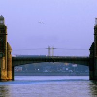 Река,мост,собор. :: Владимир Гилясев