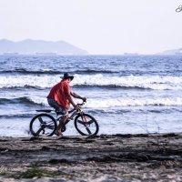 Велосипедист на пляже :: ASeOs™ Anna Osipova