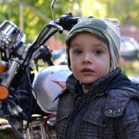 У мотоцикла :: Сергей
