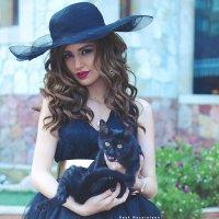 кошка и девушка :: Hayk Nazaretyan