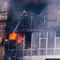 Пожар (горит 25 этажное здание) :: Роман Романов