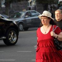 Красное платье. :: Larisa Gavlovskaya