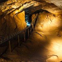 В Ново-Афонской пещере :: Андрей Гриничев
