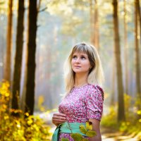 Портрет девушки в лесу рано утром :: Мария Михайлова