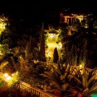 вечерняя Палеокастрица - вид с балкона нашего номера :: Вячеслав Ковригин