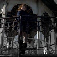 Осенняя прогулка_в беседке на набережной :: Юлия Маслова