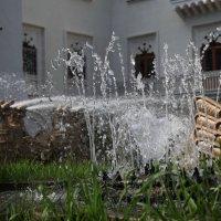 Сухум, фонтан у театра :: Андрей Lyz