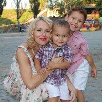 Счастливая мама :: Антон Зайцев