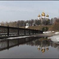 Весна в старом городе :: Николай Белавин