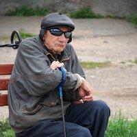 Как жизнь по сути коротка...и как она порой несправедлива... :: Владимир Хиль