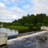 Плотина на реке Пскове :: Ирина Никифорова