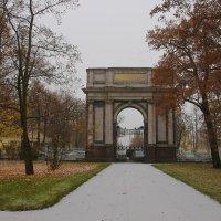 У Орловских ворот.... :: Tatiana Markova