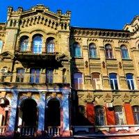Валиховская богадельня (1895, архитектор И.Ф. Яценко) :: Александр Корчемный