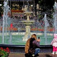 фото у фонтана :: Александр Корчемный