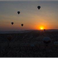 Кападокия с высоты птичьего полета/ Восход солнца. :: Михаил Розенберг