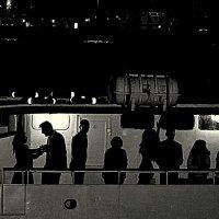 Ночная прогулка на катере :: Галина (Stela) Кожемяченко
