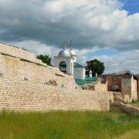 Изборская крепость :: Ирина Никифорова