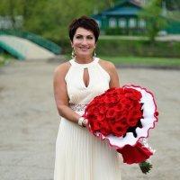 женщина и розы :: Ольга Гребенникова
