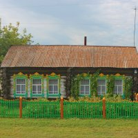 Домик у дороги. :: Наталья Юрова