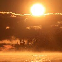 Рассвет на Ладоге. :: юрий