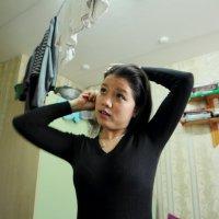 Лиен собирается в своем общежитии :: Lilya Ezh