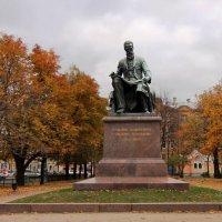 Памятник А.Н.Римскому-Корсакову :: Вера Моисеева