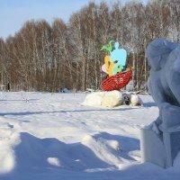 Скульптуры  зимой. Взгляд. :: Валерия  Полещикова
