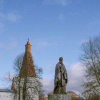 Памятник Иосифу Волоцкому :: Михаил (Skipper A.M.)